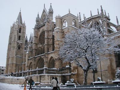 20070924170646-catedral-sur02-leon.jpg