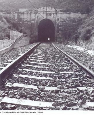 20110302101102-tunel.jpg
