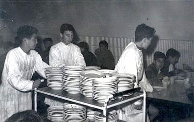 20121124133730-comedor-escuela-menor-1960.jpg