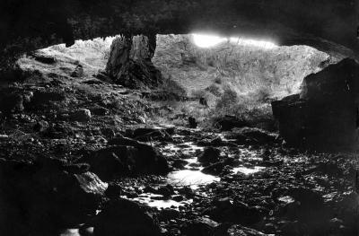 20130122163450-cueva-de-valporquero-boca-de-entrada.jpg