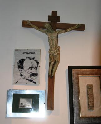20110405183154-crucifijo.jpg