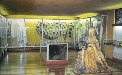 20121022211625-sala-de-exvotos.jpeg