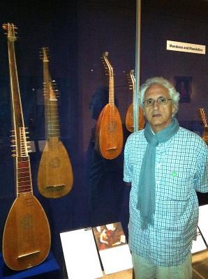 20121118222143-mandol.jpg