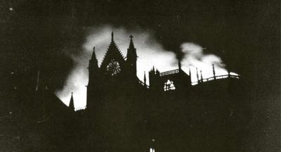 20150528110543-imagen-arde-la-catedral-web.jpg